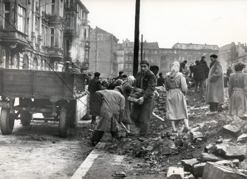 Zniszczenia wojenne Wrocławia i odbudowa miasta 1945–1963, Dział Dokumentów Życia Społecznego ZNiO